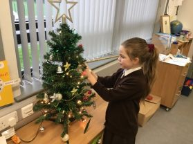 It's beginning to look a lot like Christmas in P4. 🌲